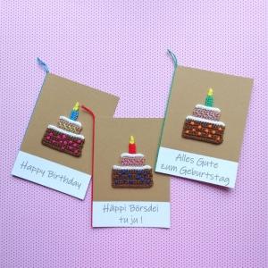 Geburtstags- und Glückwunschkarte mit gehäkeltem Törtchen und Kerze mit Wunschtext - Handarbeit kaufen