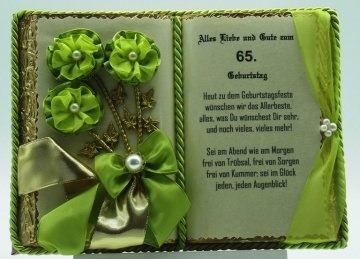 Dekobuch zum 65. Geburtstag – mit Holz-Buchständer
