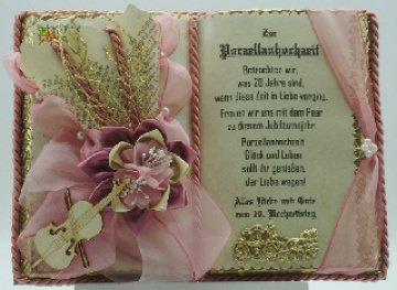 Porzellanhochzeit - 20-jähriges Ehejubiläum - Dekobuch mit Holz-Buchständer