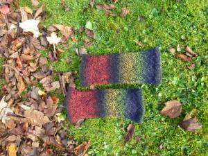 ♡ Beinstulpen oder Armstulpen aus kuscheliger Qualitätswolle, herbstliche Farben, verschieden zu tragen ♡ - Handarbeit kaufen