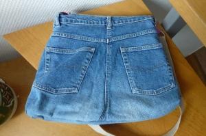 ✂Praktische Schultertasche / Wendetasche, eine Seite aus recycelter Jeans, die andere Seite schlammfarbenem Softshellstoff✂  - Handarbeit kaufen
