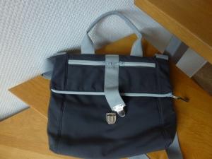 ✂ Sehr praktische Umhängetasche, Crossbag, Schultertasche, schlicht in hellem und dunklem grau ✂ aus abwaschbarem Softshell - Handarbeit kaufen