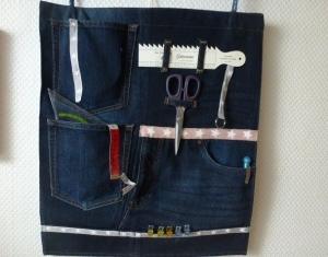 Wand Utensilo aus recycelter Jeans, für viele Zwecke zu gebrauchen z. B.  Büro, Hobby, Küche, Homeoffice - Handarbeit kaufen