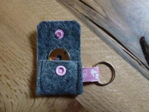 ☆ Schlüsselanhänger 1 ☆ für den Einkauf Chip ☆ Filztäschchen ☆ grau - ca. 4 cm x 5 cm - Handarbeit kaufen