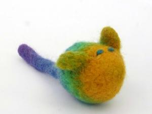 Katzenspielmaus Katzenspielzeug aus Strickfilz mit Rassel, robust, waschbar Farbegelb/grün blaue Augen - Handarbeit kaufen