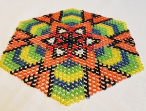 Perlendecke - Buntes Deckchen mit erfrischenden Orangetönen - Handarbeit kaufen