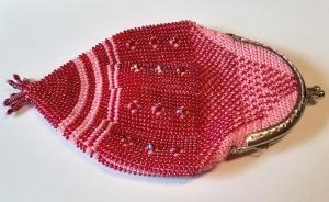 Perlenbeutel traumhafte Rottöne mit Taschenbügel und Griffen - Handarbeit kaufen
