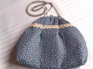 Romantische Midi-Tasche mit Taschen-Bügel und Kette - Handarbeit kaufen