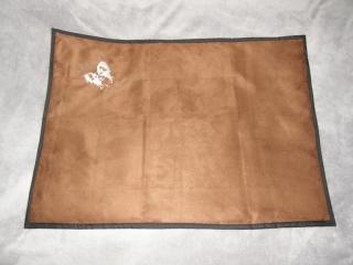 Outdoordecke mit Bestickung , ca. 80cm x 100cm, aus Alcantaraimitat und Nylon mit Volumenvlies gefüttert