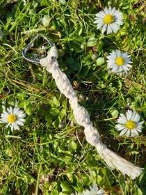 Schlüsselanhänger im Makramee- Stil mit HERZ-Schlüsselring - Handarbeit kaufen