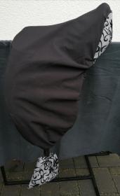 Sattelschoner schwarz/grau, wasserabweisend mit passenden Steigbügelhüllen und individuell bestickbar!!! - Handarbeit kaufen