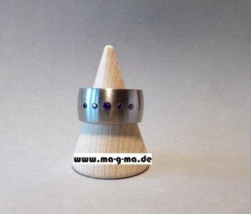Designer - Ring aus Edelstahl mit violetten Zirkonia (5 x)