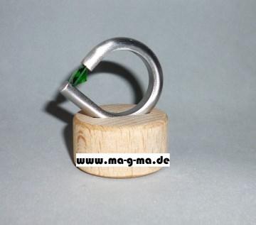 Designer - Ring aus Edelstahl mit smaragdgrünem Zirkonia