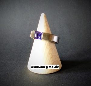 Designer - Ring aus Edelstahl handgefertigt mit tansanit-blauem Zirkonia kaufen