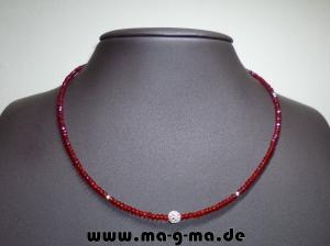 Facett-Glasperlen-Kette in Rot mit 925er Silberkugeln - ohne Versandkosten kaufen