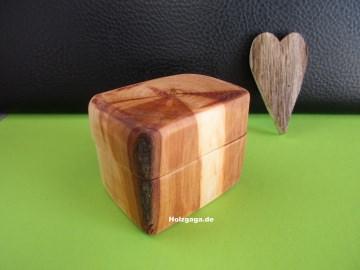 Schatulle,Geschenkbox,Schmuckaufbewahrung,Holzbox,Holzschatulle
