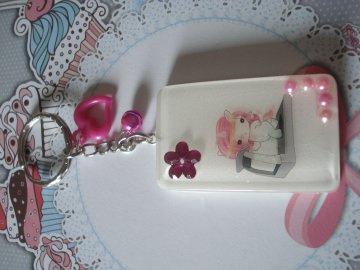 ♥ süßes Fitness-Einhorn Schlüsselanhänger ♥ aus Kunstharz gegossen