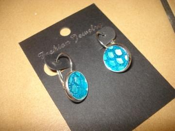 Ohrhänger mit Cabochon - Fischschuppen in blau-türkis