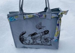 Tasche aus Filz Shopper Einkaufstasche,Tragetasche, Katze spielend Handgenähte und BestickteHandgenähte und Bestickte - Handarbeit kaufen