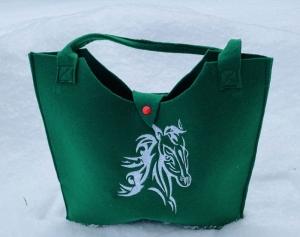 Tasche mit Pferd Filz dunkel Grün, Shopper, Unikat, Einkaufstasche,Tragetasche, Handgenähte und Bestickte