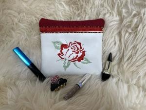 Handgefertigte Kosmetiktasche bestickt mit Reißverschluß Unikat Beauty Rose (Kopie id: 100269279) - Handarbeit kaufen