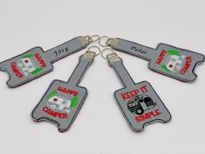 Schlüsselanhänger Schlüsselband personalisiert bestickt, mit Name und Wohnwagen - Handarbeit kaufen