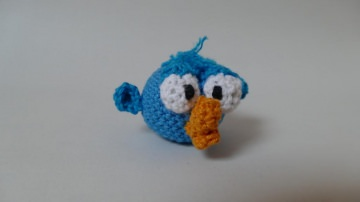 Gehäkelter Vogel-Anhänger für eine Tasche oder einen Schlüsselbund ♥