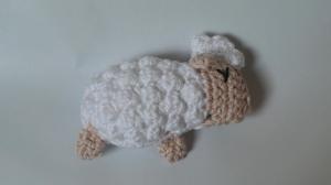 Gehäkeltes Schaf zum Kuscheln für Babys und Kleinkinder ♥