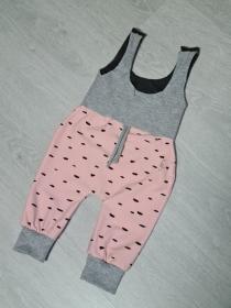 Babykleidung / Strampler in der Farbe grau und rosa ♡ - Handarbeit kaufen