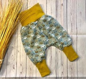 Pumphose Baby Gr. 50/56 Autos dusty mint/altgrün  mit Senf, Babyhose, Mitwachshose - Handarbeit kaufen