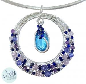 Collier La Lumière Bleue, Statement Collier aus Sterling Silber, Edelsteinen und Süßwasser Perlen - Handarbeit kaufen