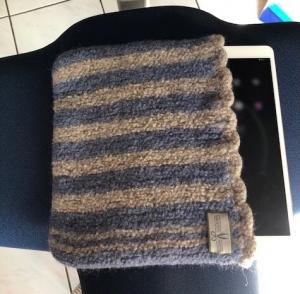 Handgestrickte Filztasche für das Tablet - Handarbeit kaufen