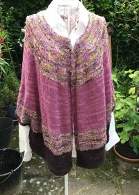 Sommerliches Cape aus handgefärbter Wolle, Größe M - Handarbeit kaufen