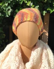 Handgestrickte Wollmütze in Farbverlauf gelb/orange Größe M/L - Handarbeit kaufen
