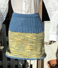 Strickrock aus handgefärbter Wolle in Größe S - Handarbeit kaufen