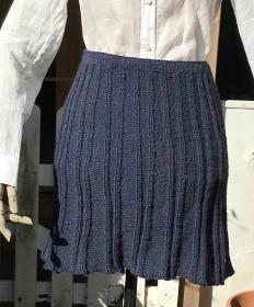 Aparter Strickrock aus reiner Wolle in Größe M - Handarbeit kaufen