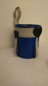 Halterung für einen Blumentopf aus Koservendosen (1) - Handarbeit kaufen
