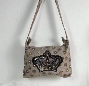 Handgenähte Tasche aus Canvas Stoff mit Kronenmotiv, Handtasche, Umhängetasche