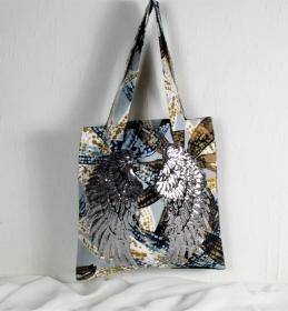Handgenähte Tasche aus Canvas Stoff mit großem Flügelmotiv, Handtasche - Handarbeit kaufen