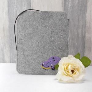Tasche für E-Reader oder Tablett, Filz, Storage bag, hellgrau, mit Auto - Handarbeit kaufen