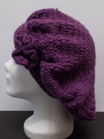 Baskenmütze, Mütze, lila, Beanie-Stil, Damenmütze, Mütze gehäkelt, Strickmütze, Mützen - Handarbeit kaufen