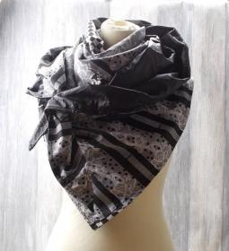 Dreieckstuch leicht, Halstuch, leichtes Tuch, Mustermix, schwarz weiß - Handarbeit kaufen