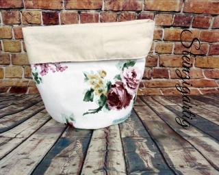 Schönes Rosenutensilo in Vintagestyle