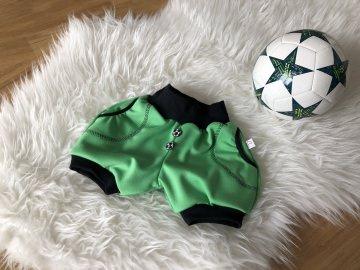 kuze Pumphose mit Fußballknöpfen im Detail zur WM, Pumpshorts Handarbeit