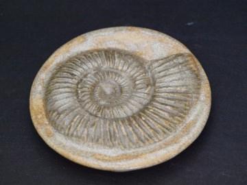 Seifenablage - Abdruck  Versteinerung Ammonit aus Madagaskar - Unikat - Keramik
