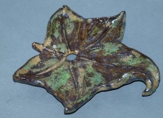 Seifenablage handgemacht - herbstliches  Ahornblatt aus Keramik - Unikat - Handarbeit kaufen