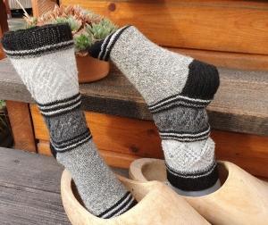 Socken Gr. 37-38 handgestrickt von NahtundMasche mit Sockenwolle 4fädig - Handarbeit kaufen
