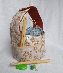 Projektkörbchen, Projekttasche für Strick- und Häkelutensilien, genäht aus Baumwollstoffen von NahtundMasche - Handarbeit kaufen