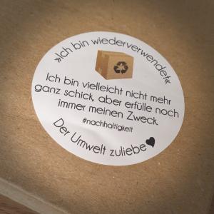 Aufkleber-Bogen ♥Ich bin wiederverwendet♥ in weiß für #nachhaltigeverpackungen - Handarbeit kaufen