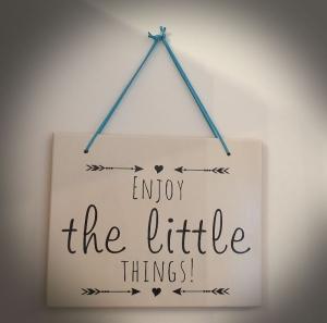 Fliese ♥Enjoy the little Things♥ 25x20cm als Wanddekoration oder zum Hinstellen